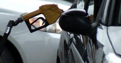 Gobierno resolvió aumentar 12% el precio de los combustibles